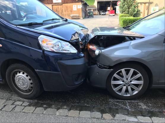 Eine 55-jährige Lenkerin war kurz vor acht Uhr auf der Rosenstrasse mit ihrem Wagen auf die Gegenfahrbahn geraten.