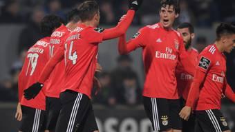 Konnte bereits wieder jubeln: Benficas Schweizer Stürmer Haris Seferovic (li.)