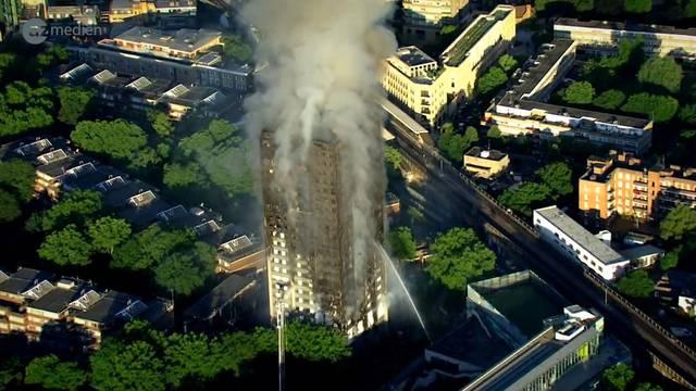 Extreme Mängel in ausgebranntem Grenfell Tower in Londen