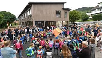 So eine Ansammlung wie beim ersten Schultag wird es am 11. Mai nicht geben dürfen.