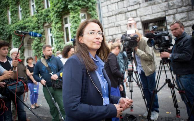 Gegen 15.00 Uhr sei telefonisch eine Bombendrohung eingegangen, erklärte Generalsekretärin Yasmin Fahimi am Dienstag in Berlin.