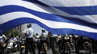 Polizeiaufgebot an einer Kundgebung von Beamten am Montag in Athen