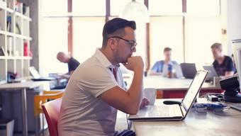 In Coworking-Büros arbeitet jeder für sich. Trotzdem wird der Austausch unter den Coworkern mit Workshops und Veranstaltungen gezielt gefördert.