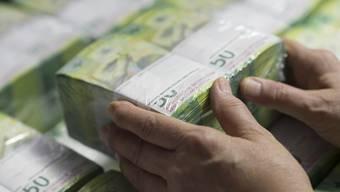 Dem Kunden müssen die Negativszinsen in Höhe von 3400 Franken zurückgezahlt werden. (Symbolbild)