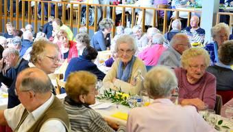 Die Seniorinnen und Senioren genossen den bunten Nachmittag.