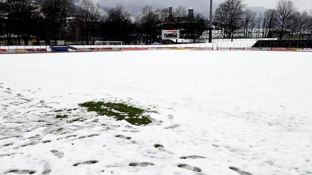 Schneefälle in den frühen Abendstunden sorgten für ein unbespielbares Terrain für die abgesagte Partie zwischen Schaffhausen und Lausanne-Sport