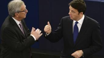 EU-Kommissionschef Juncker (l.) mit Italiens Regierungschef Renzi