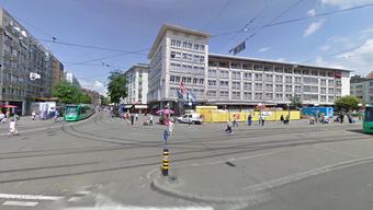 Am Claraplatz wurde am Freitagmorgen ein verletzter Mann gefunden.