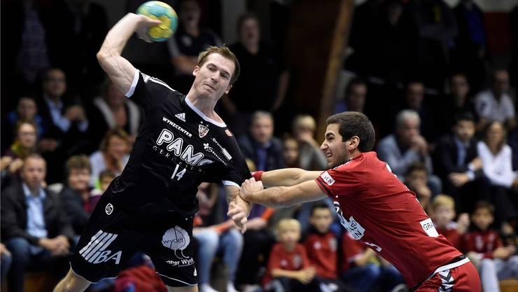 Brisantes Duell: Patrick Romann (links) trifft mit Suhr Aarau auf den TV Endingen (Lukas Riechsteiner).