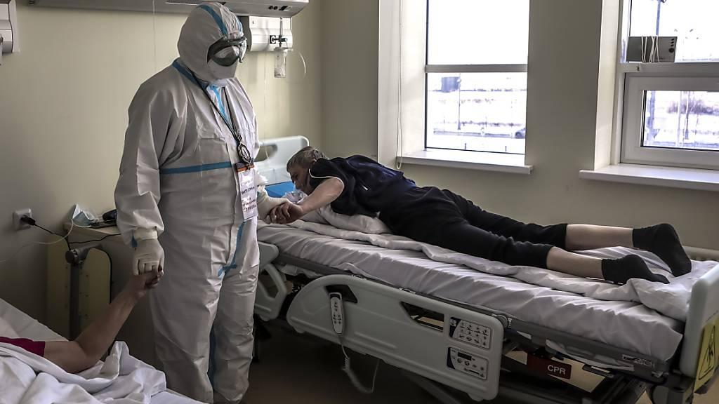 Russland: Corona-Totenzahl mehr als doppelt so hoch wie angegeben