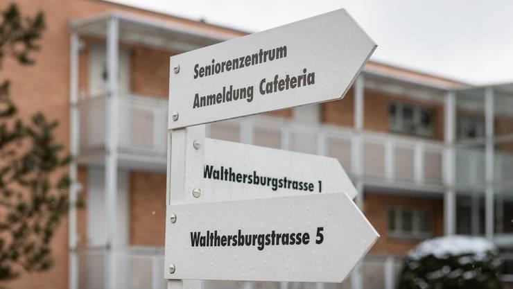 Die Liegenschaft «Auf Walthersburg», besteht aus einer Alterssiedlung und normalen Mietwohnungen.