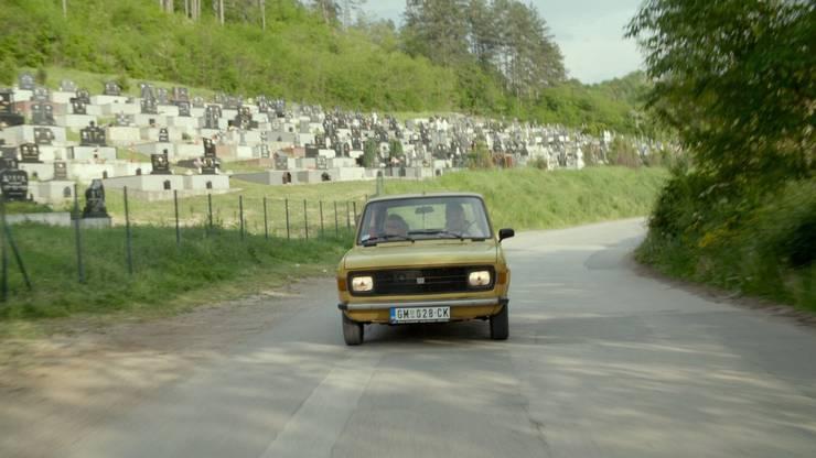 Mit dem Zastava durch das ehemalige Jugoslawien, auf der Suche nach ehemaligen Mitschülern der Klasse 4A.
