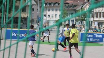 Strassenfussball wird – wie auch schon letztes Jahr – hoch im Kurs stehen, neben vielen anderen Aktivitäten.zvg