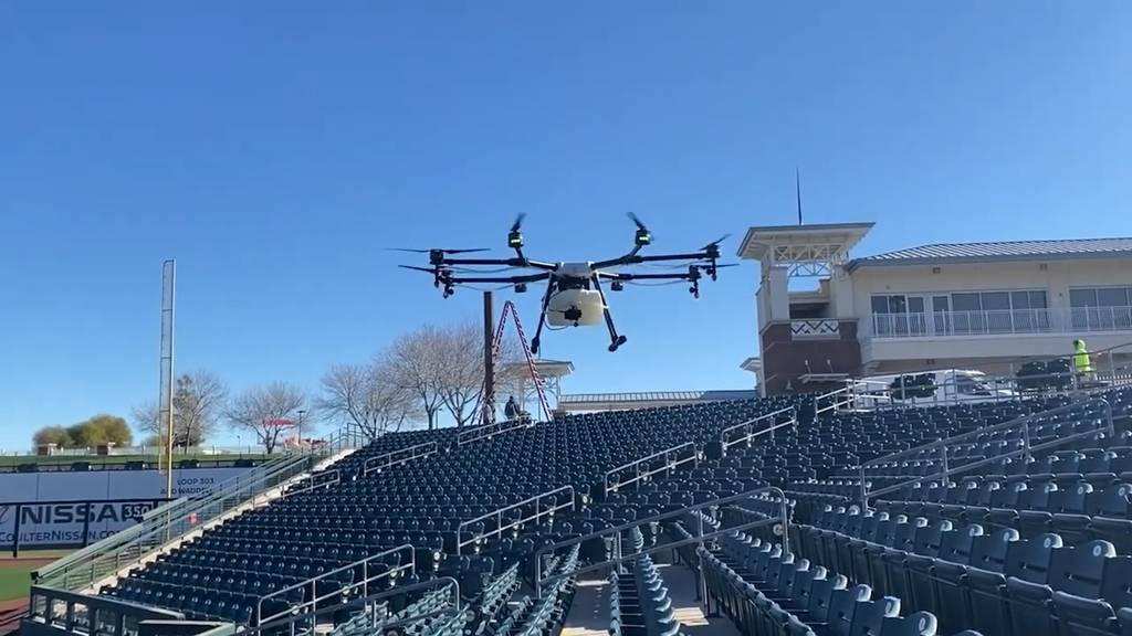 Virusbekämpfung aus der Luft: Diese Drohnen desinfizieren ganze Stadien