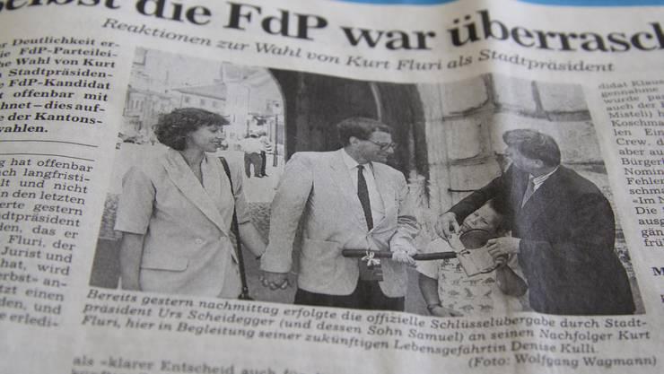 Auch die FdP war überrascht, als Fluri 1993 bereits im ersten Wahlgang gewählt wurde. Am Tag der Wahl übernahm er von seinem Vorgänger Urs Scheidegger den «Stadtschlüssel», der heute noch in Kurt Fluris Büro steht.