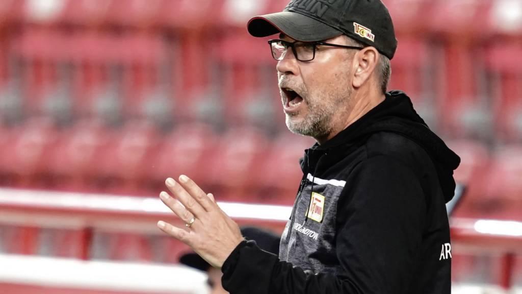 Union-Trainer Urs Fischer wandert im Berner Oberland