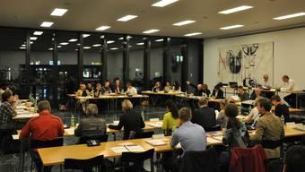Symbolfoto einer Sitzung des Reinacher Einwohnerrats, Jahrgang 2014 oder 2015.