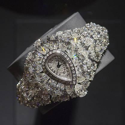 Es ist die teuerste transformierbare Uhr weltweit: «The Fascination» von Graff Diamond ist eine Uhr mit einem abnehmbaren Teil, der zum Ring wird.