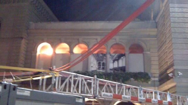 Im Bundeshaus schlagen Flammen hoch