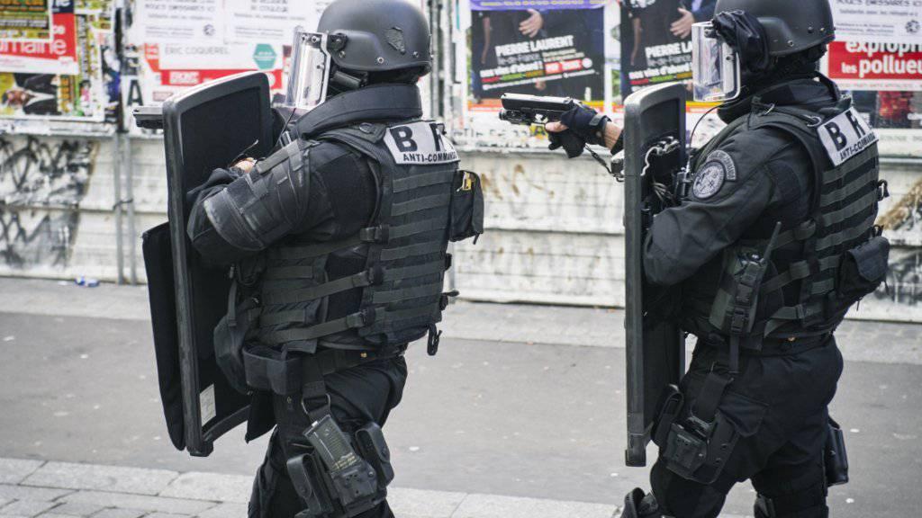 Spezialkräfte der französischen Polizei bei einem Einsatz. (Symbolbild)