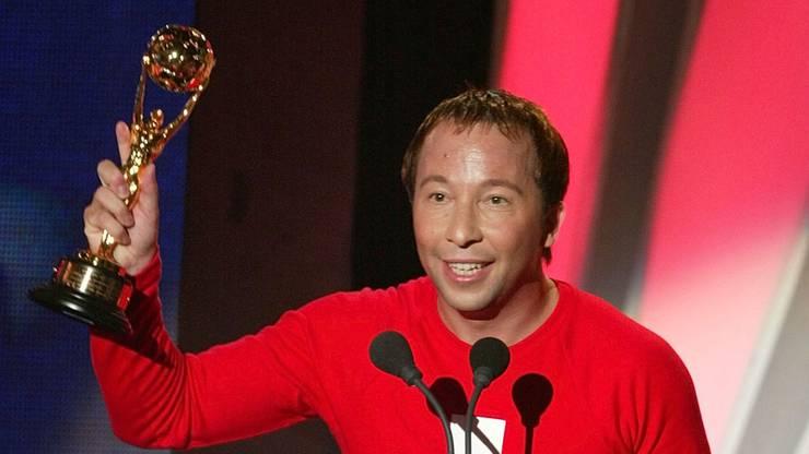2002 erhielt DJ Bobo den Preis für den bestverkaufenden Schweizer Künstler.