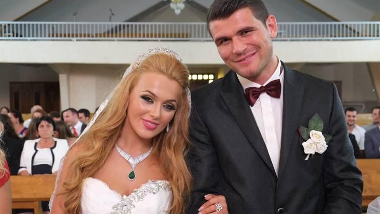 Arnold Gjergjaj bei der Hochzeit mit Marta Spaci in seiner Heimat im Kosovo