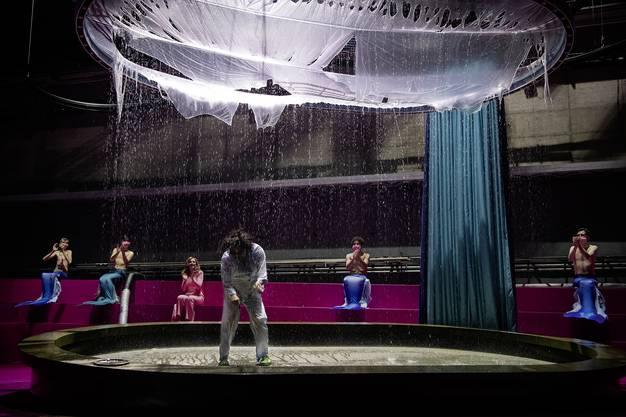 Elmira Bahrami_Edgar Eckert_Statisterie des Theater Basel_FotoJudithSchlosser