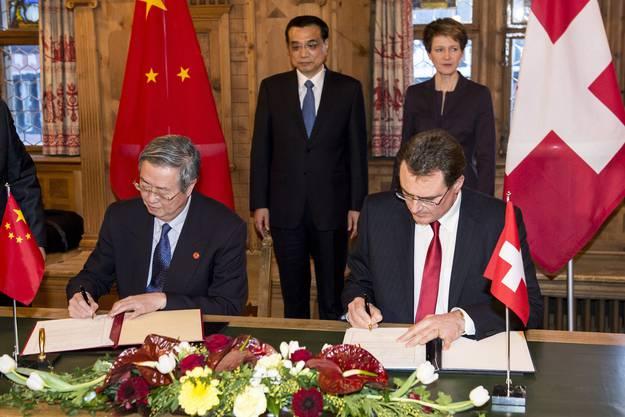 Eines davon ist eine Vereinbarung, die die Schweizerische Nationalbank (SNB) mit SNB-Chef Jordan mit der chinesischen Zentralbank abgeschlossen.