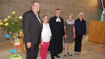 Franz Günter, Pfarreileiter, Barbara Leibundgut, Gemeindepräsidentin, Pfarrer Roland Stach, Brigitte Stach, Gattin, Susi Günter, Pfarreileiterin.