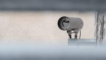 Überwachungskameras am Neubau des Kunstmuseums Basel.