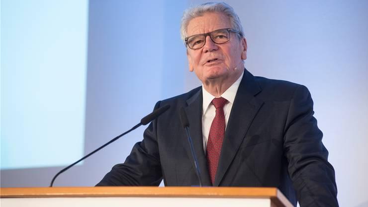 «Ich bin Sohn eines Seemanns, ich beherrsche die Macho-Sprache. Da würde ein lockeres Gespräch entstehen», sagt Joachim Gauck über ein mögliches Treffen mit Trump.