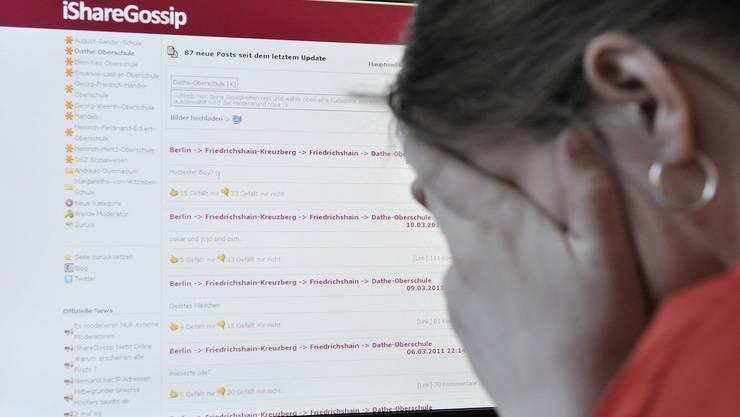 Die Folgen für die Betroffenen von Social-Media-Delikten können besonders schmerzhaft sein. (Symbolbild)