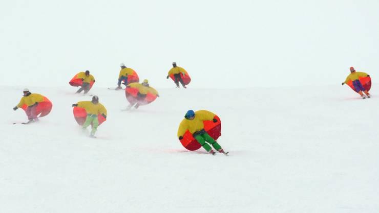 Es blieb sogar Zeit, sich als Skisegler zu versuchen.