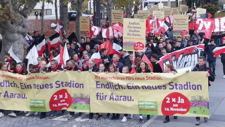 Die Stadion-Demo im Graben.