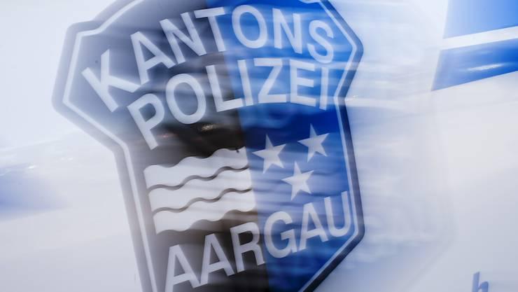 Die Kantonspolizei klärt den genauen Unfallhergang ab und sucht Zeugen. (Symbolbild)