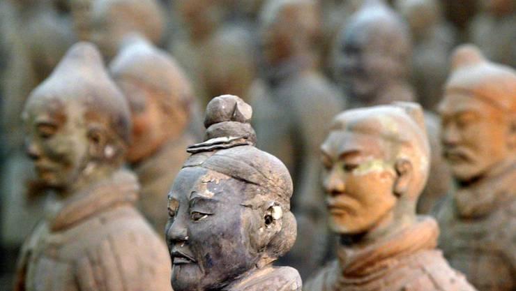 Die mehr als 2000 Jahre alte Terrakotta-Armee war mit voll funktionsfähigen Bronzewaffen ausgerüstet. (Archivbild)