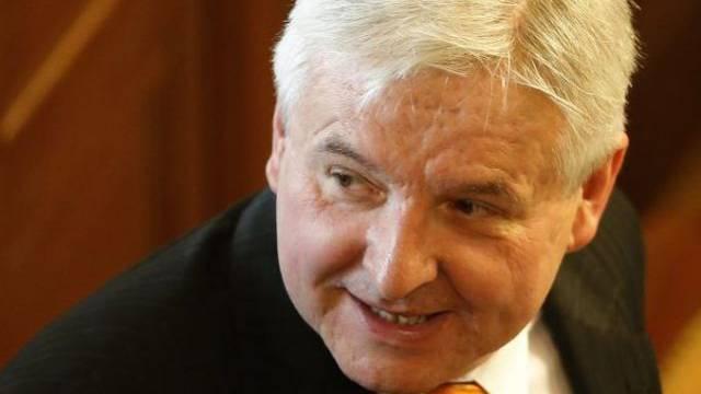 Jiri Rusnok vor der Vertrauensabstimmung im Parlament