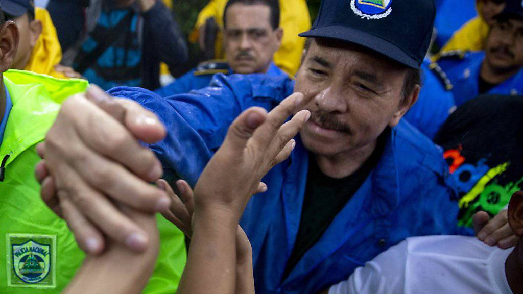 Menschenrechts-Aktivisten werfen dem Präsidenten Daniel Ortega (im Bild), Vizepräsidentin Rosario Murillo und weiteren Ministern Verbrechen gegen die Menschlichkeit vor. (Archiv)