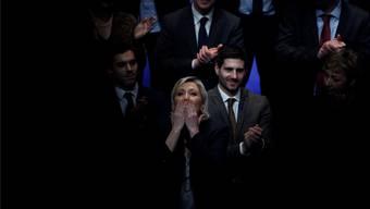 Tritt definitiv aus dem Schatten ihres Vaters: die zukünftige «Rassemblement National»-Chefin Marine Le Pen gestern am Parteikongress.