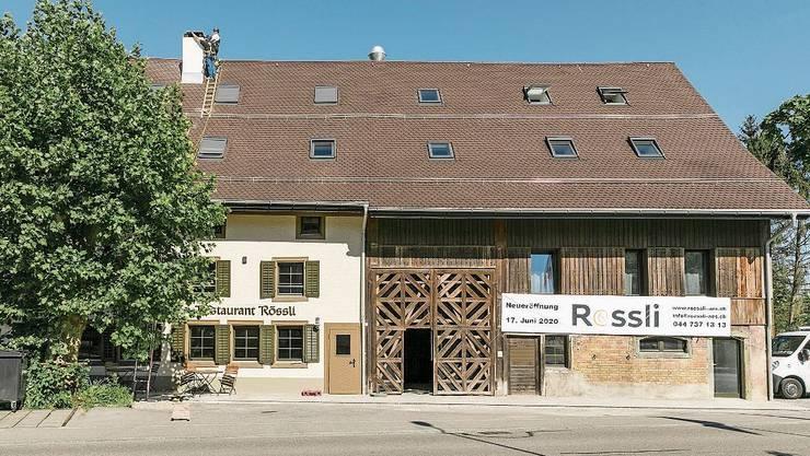 Die Liegenschaft Rössli ist Teil des historischen Aescher Dorfkerns.