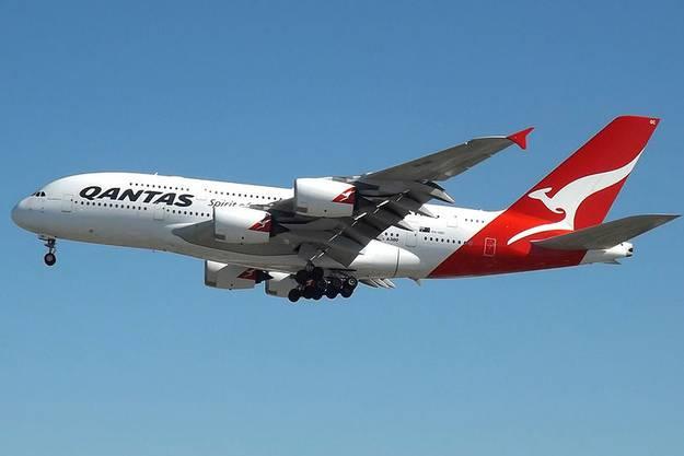 Eine Corona-Impfpflicht wird zum Beispiel bei der australischen Fluggesellschaft Quantas auf ihren internationalen Flügen gelten.