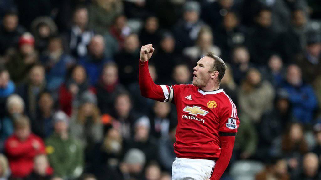Wayne Rooney freut sich nicht nur über eine Torschuss, sondern auch über seinen dritten Sohn (Archiv)