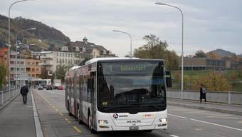 Die Haltestelle der Kantonsschule Baden (rechts hinten) erhält einen neuen Namen.
