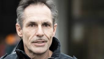 Extremsportler und Hochseilartist Freddy Nock beim Verlassen des Bezirksgerichts Zofingen AG. Er hatte die Fragen des Gerichts nicht beantwortet.
