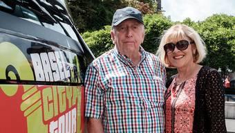 Mit der Kamera bewaffnet machen sich Melvin und Rita aus Kentucky mit dem «Basel City Tour»-Bus auf die Suche nach den schönsten Orten.