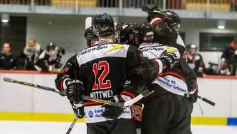 Die Argovia Stars gewinnen 4:3 gegen Adelboden und qualifizieren sich für die Playoff-Halbfinals.