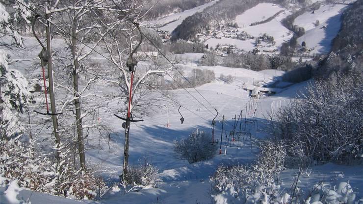Auch in Langenbruck läuft der Skilift bald an. (Archiv)