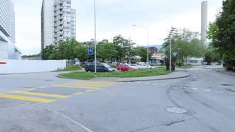 Weil die Einfahrt zum Bürgerspital verlegt wird, muss auch die Schöngrünstrasse verlegt werden.