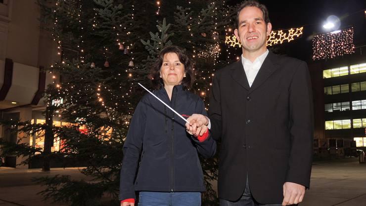 Fränzi Braga, Präsidentin der Stadtmusik Grenchen, und Rainer Ackermann, der neue Dirigent.