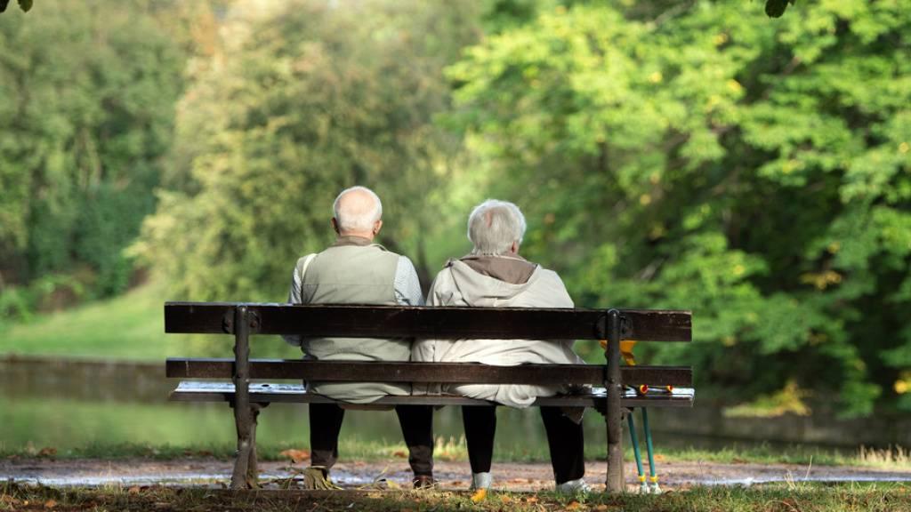 Lebenserwartung steigt langsamer und Invalidität wird seltener